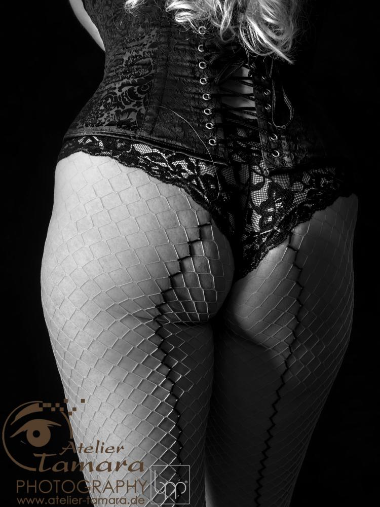 Akt-Erotik-Fotografie-Stuttgart-Atelier-Tamara-b-003.jpg