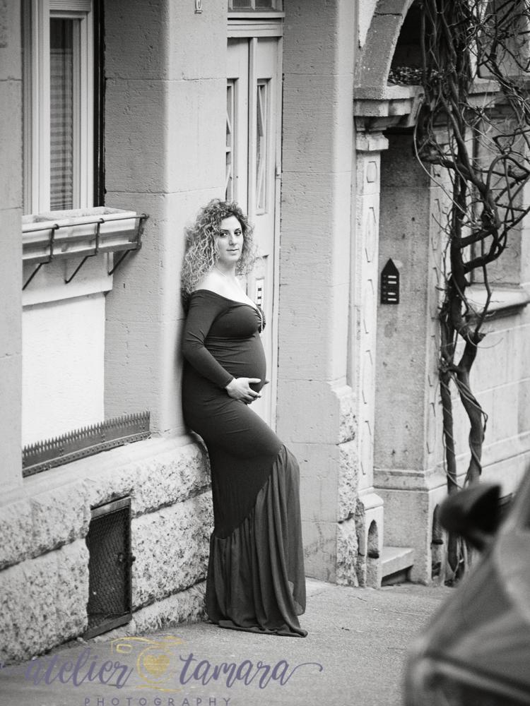 9 Monate Babybauch Fotoshooting vom Fotostudio Atelier Tamara Stuttgart