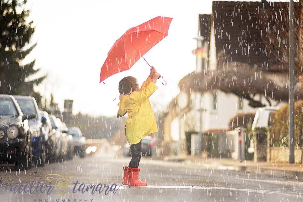 Kinderfotoshooting bei Regenwetter